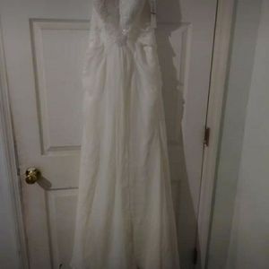 David's bridal wedding dress never worn